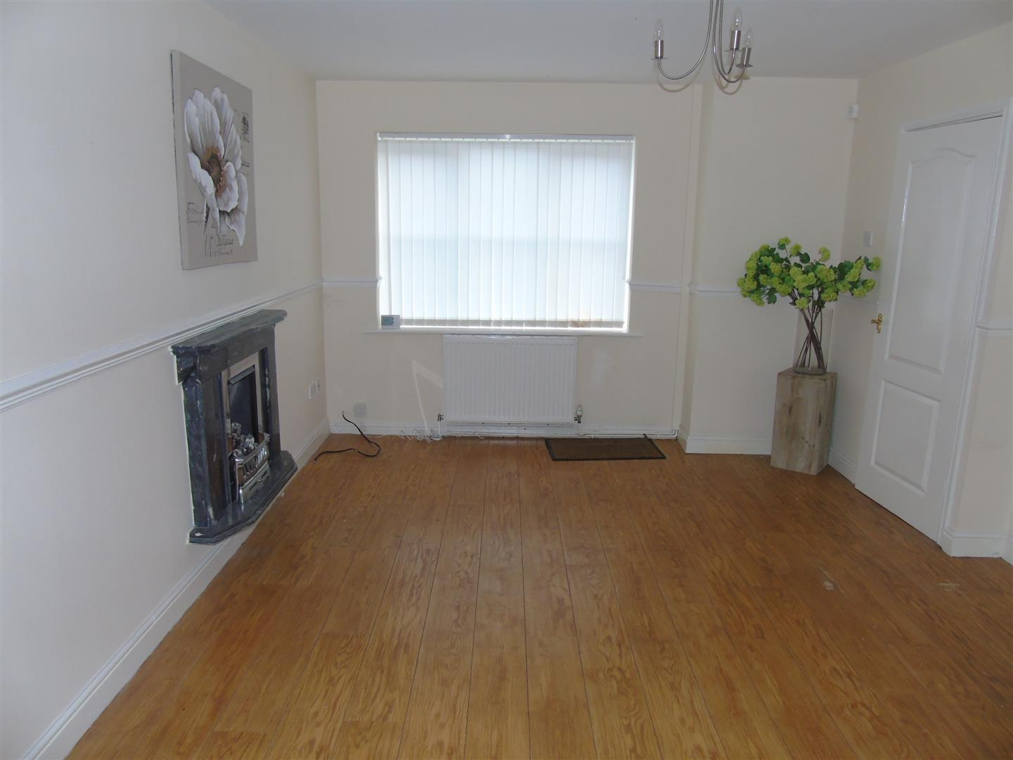 3 Bedrooms, House - End Town House, Longdown Road, Liverpool